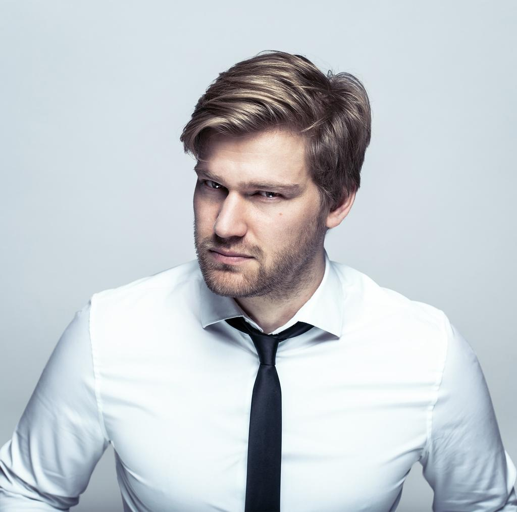Shahak Shapira Tickets